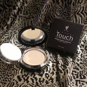 Mineral Touch Pressed Powder Foundation Velour